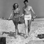 beach-wear-late-1950s-inkbluesky